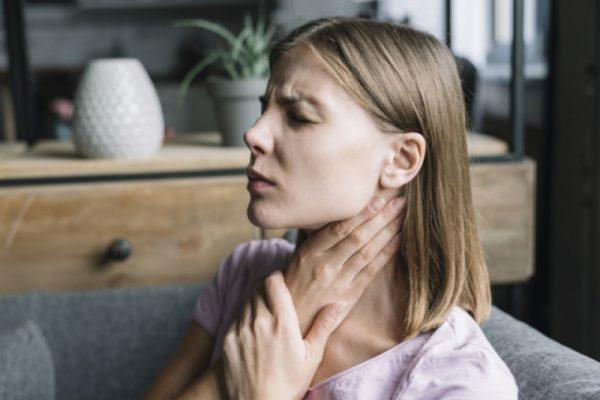 close up woman pain having sore throat 23 2147953536