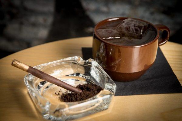 Почему гипертоникам нужно отказаться от кофе и сигарет?
