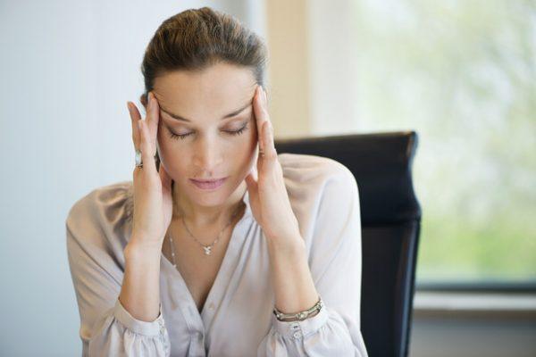 Почему возникает боль в висках?