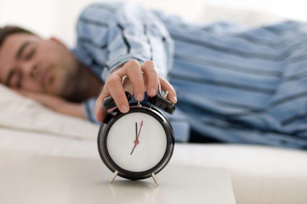 Почему долгий сон может стать опасным признаком надвигающегося инсульта?