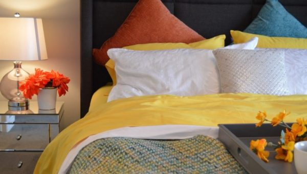 colorful bed linen 833x474 1