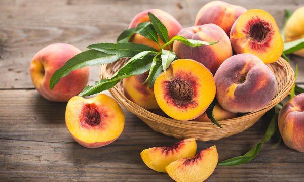pfirsiche peaches by igor normann fotolia 203109906